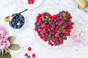 sernik na zimno z owocami